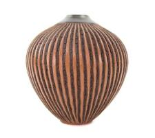 BEAUTIFUL WILLIAM WILL KIDD POTTERY HANCRAFTED VOLCANIC LAVA TEXERED VASE POT