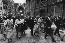 WW2 - Photo - Exhibition de femme tondue à la libération de Chartres