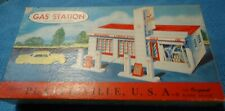 Plasticville O Scale Large Gas Station 1800 149 Complete In OB.