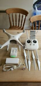 DJI Phantom 4 pro Drone ( spares or repairs) Controller and charger.