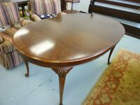 Vintage Drexel Heritage Bi-Centennial Mahogany Dining Table (no leaves)
