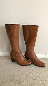 BOSTON BELLE..TAN LEATHER BOOTS..(SIZE 38/7)...VGC.