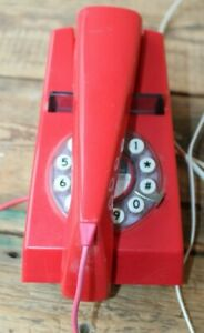 Wild & Wolf Retro Bright Red Trim Phone Landline Push Button Telephone