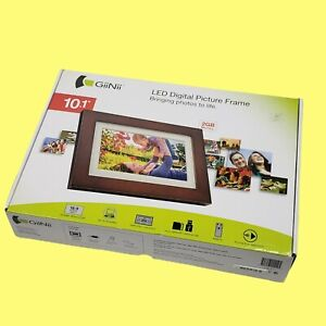 """NEW GiiNii 10.1"""" LED Digital Walnut Picture Frame with Remote"""
