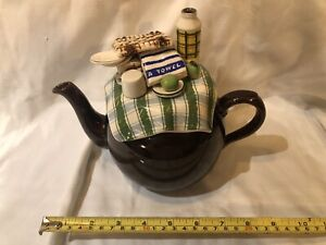 CARDEW COLLECTABLE NOVELTY LARGE TEAPOT SUMMER PICNIC PERFECT CONDITION