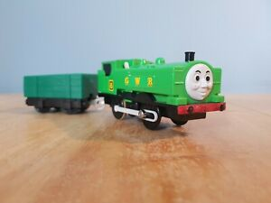tomy trackmaster thomas the tank engine battery train duck & truck