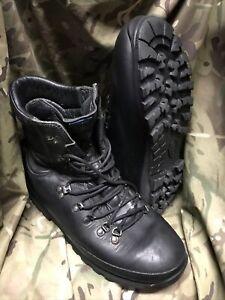Black  Altberg Defender Boots!genuine Issue!Very good/loads of tread! 12 Medium