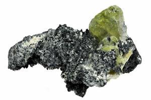 grüner Sphen/ Titanit mit Feldspar, Pakistan