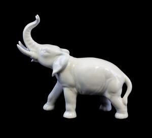 9942035 Wagner&Apel Porzellan Figur Elefant weiß 13x16cm