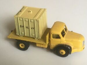 CODE 3 - DINKY TOYS FRANCE Ref: 34B PLATEAU BERLIET JAUNE avec CONTAINER BAILLY