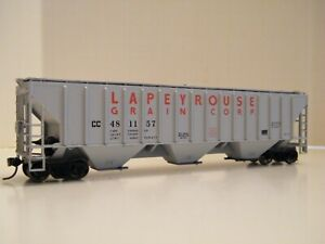 HO ATHEARN/ACCURATE FINISHING CC&P/LAPEYROUSE GRAIN 54' PS COVERED HOPPER