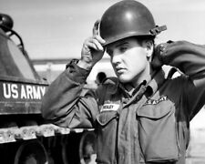 Elvis Presley UNSIGNED photo - K8945 - In the US Army!!!!