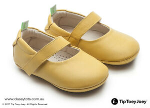 NEW Tip Toey Joey Baby Shoes DOLLY (More Colours)