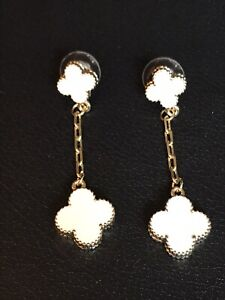 Ivory Color Clover Pierced Earring