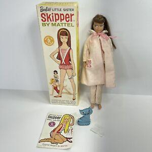 Vtg Mattel Barbies Little Sister Skipper Doll Brunette Pajamas Cat Brush Comb