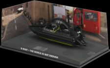 JAMES BOND 007 -  Q BOAT - THE WORLD IS NOT ENOUGH   - DIARAMA DISPLAY - 1:43
