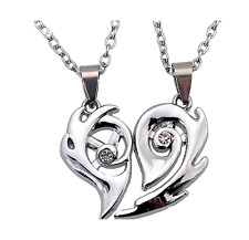 2pcs/Set  Heart Split Pendant Couple Necklace