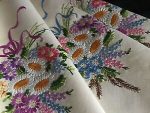 EXQUISITE VINTAGE LINEN HAND EMBROIDERED TABLECLOTH~RIBBONED FLORAL POSIES