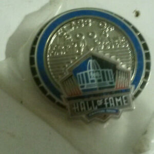 NFL Football hall fame Barry Sanders class 2004 dated Canton Ohio sealed pin