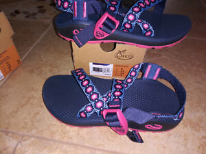NEW $109 Womens Chaco ZCloud Sandals, size 6          shoes