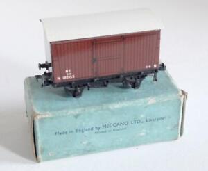 HORNBY DUBLO (D1) 32040 - LNER  GOODS VAN - 182153  (BOXED)
