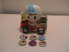 LOT /7 VINTAGE SPEED RACER #7 CHILDS FLOWER VASE & 6 AUTO RACING PINS PINBACKS