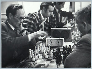 1980s MEN play CHESS Championship Chess board Clock Sport USSR OLD Photo