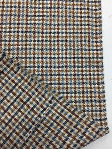 2.5 Metres Tan Gun Club Checked Pure Wool Tweed Jacket Fabric. (465g)