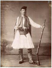 Soldat Grec armé - Tirage albuminé 1880 - Grèce -