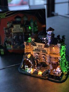 "RETIRED Lemax Spooky Town Halloween ""Isle Of No Return"" Prison NIB Sights &Sound"