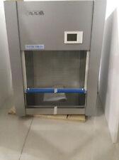 Laminar Flow Hood Air Flow 2ft Wide Clean Bench Workstation VD / HD 650