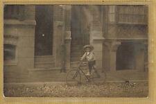 Carte Photo vintage card RPPC enfant à vélo bicyclette Paris ph0367