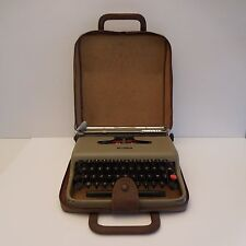 machine à écrire portative Olivetti Lettera 22