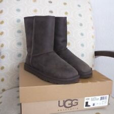 NIB UGG Classic Short Leather Brownstone Boots, Size: 8.0