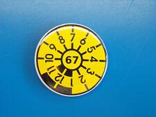 Tüv Stempel Flaschenöffner mit Magnet Button 59 mm mit Wunschjahr und Monat