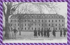 CPA - 79 - PARTHENAY - Caserne Allard du 114e d'infanterie - cour saragosse