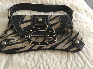 Excellent Vintage Guess Leather Handbag