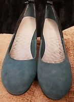 WOMENS CLARKS CUSHION SOFT TEAL BLUE SUEDE WEDGE SHOES UK 5 D EURO 38