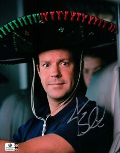 Jason Sudeikis Signed Autographed 8X10 Photo We're the Millers Sombrero GV830999