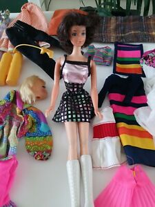 Vintage 1967-1969 Barbie Doll JAPAN with Big Lot of Clothes plus Extra Head.