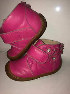 Ugg Baby Baby Stiefel Halb Schuhe Leder Pink Gr.21.5 Uk 4 (12,5cm)Lauflerner