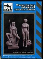 Blackdog Models 1/35 CYBORG WOMEN HUNTERS 2-Figure Resin Set