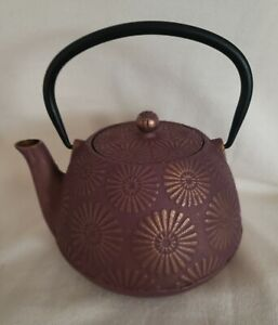 Hani Cast Iron Stovetop Teapot Purple & Gold w/Stainless Steel Infuser 40 ounces