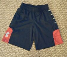 Under Armour boys running basketball shorts black red size Youth Small