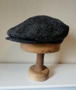 Men's Dark Grey Tweed Flat Cap.  Satin Lined. Press Stud Peak.  56 cm/Medium.