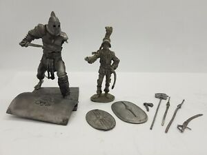 LIQUIDATION - Lot of 2 - TIN figures Casting 85mm 54mm Gladiator weapons shield