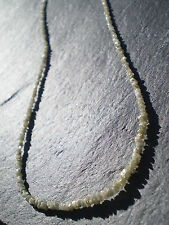 1 Rang complet de Diamants Blancs Bruts  23 cts,  40 cms ( Afrique du Sud )