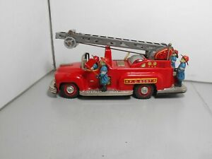 NOMURA Made in JAPAN  FIRE ESCAPE  tin plate battery operated 28 cms long red