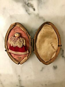 Antique Miniature wooden Peg doll/ Dutch/ Grodnertal toy doll in original case