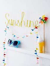 Bombay Duck 'Sunshine' Word in Yellow Wire - Room Plaque Wall Decoration